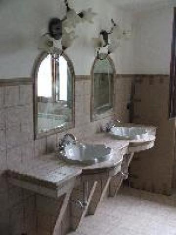 Specchi per bagno: l\'eleganza e la funzionalità