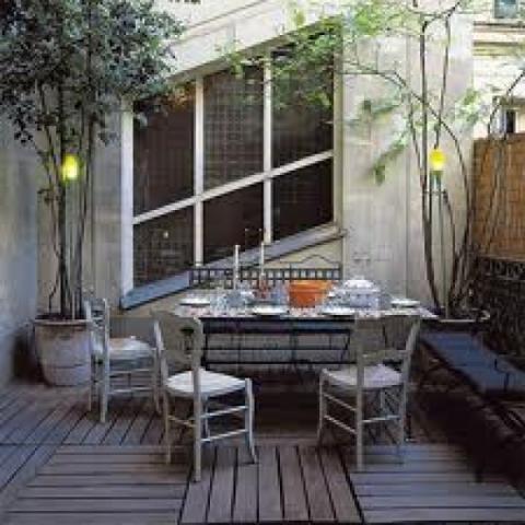 Come arredare un terrazzo in città?
