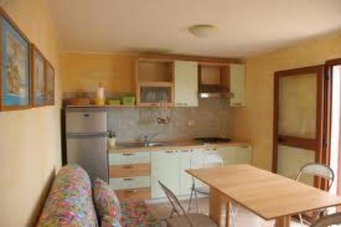 Come arredare un mini appartamento piccolo spazio grande - Idee per ristrutturare un appartamento ...
